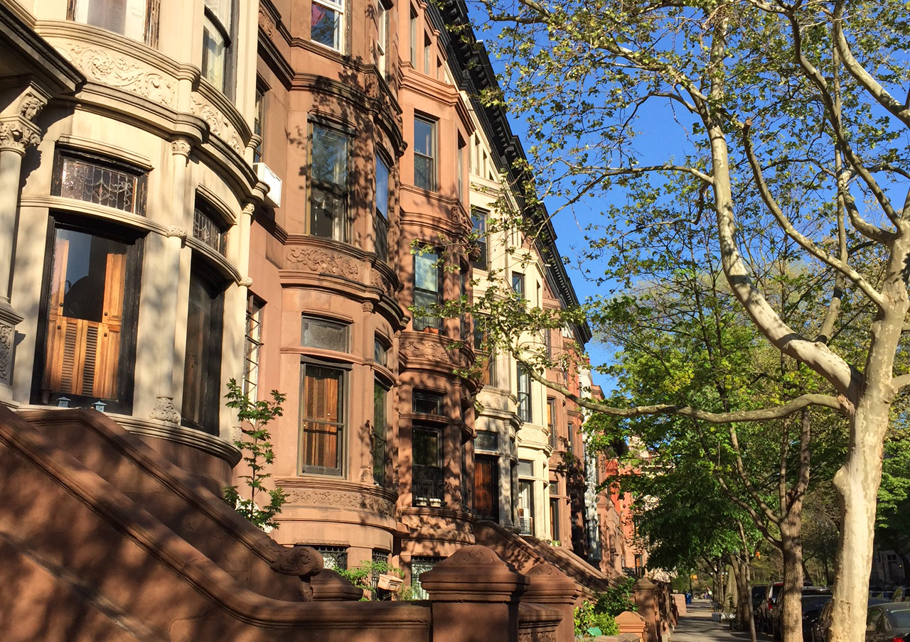 Walking Tour of  Beautiful Brownstones in New York