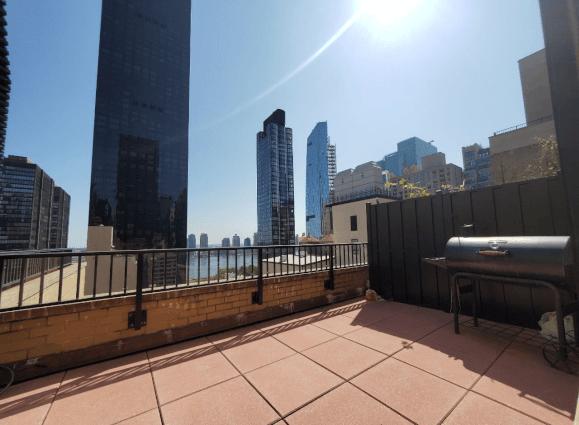 NYC Midtown Manhattan Embassy House 21G